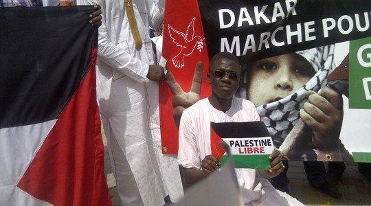 Une foule immense à Dakar soutenant le peuple palestinien